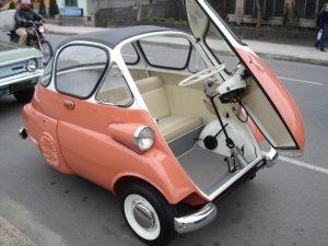 O primeira carro produzido no Brasil. Chegava a 85 km/h.